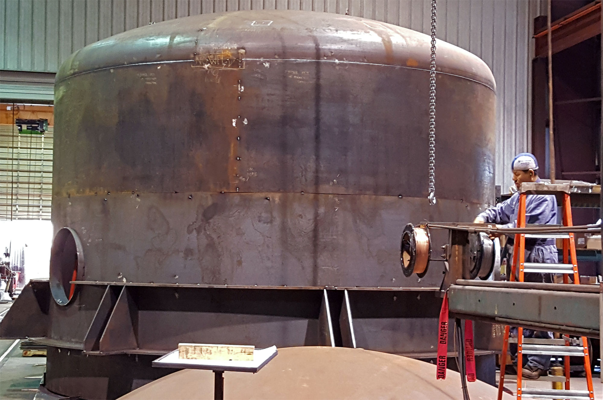 end cap on large pressure vessel fabricated by Enermax Mountain Manufacturing