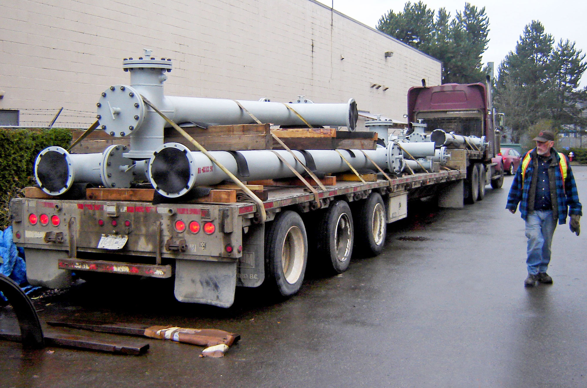 piping spools fabricated by Enermax Mountain Manufacturing on flatbed for transport