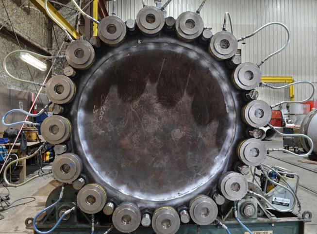 stud tensioning on enermax pressure vessel